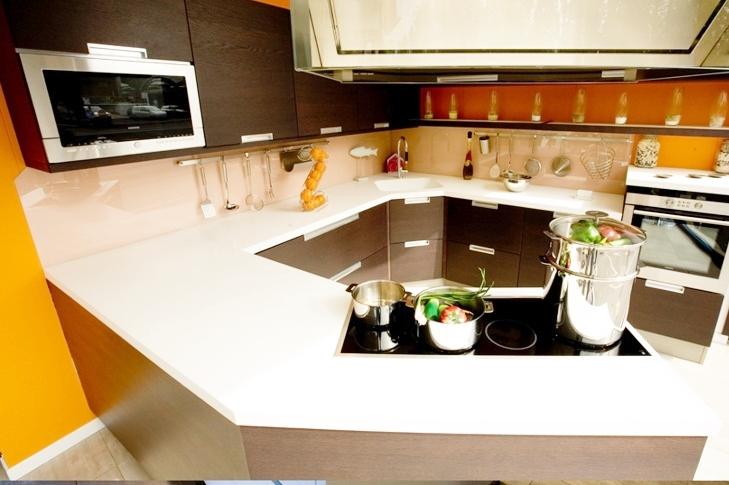Yếu tố phong thủy khi xây dựng đá ốp cho mặt bàn bếp